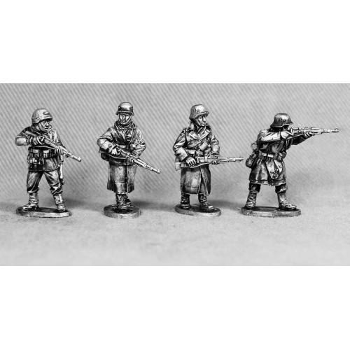 Volks Grenadiers armed with KAR 98