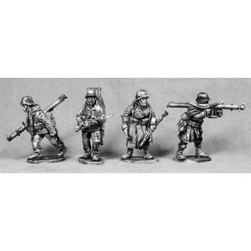 Panzerschreck teams. Firing and moving